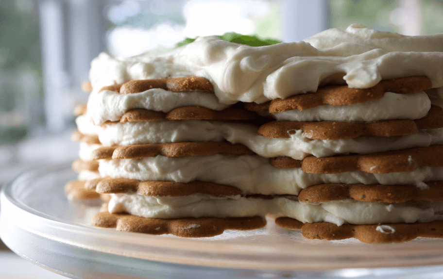 Lemon and Gingersnap Icebox Cake 3 ingredient desserts