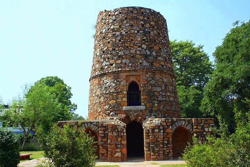 Thieves' tower
