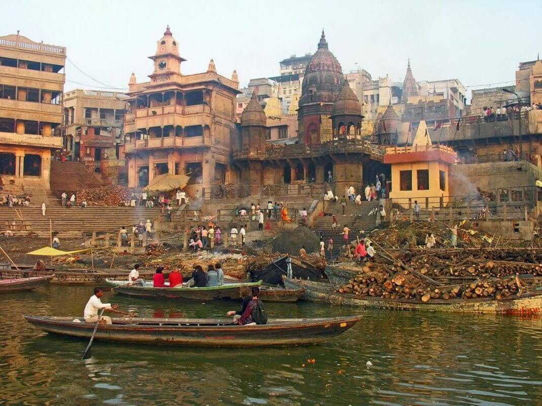 Banaras/varanasi manikarnika ghat