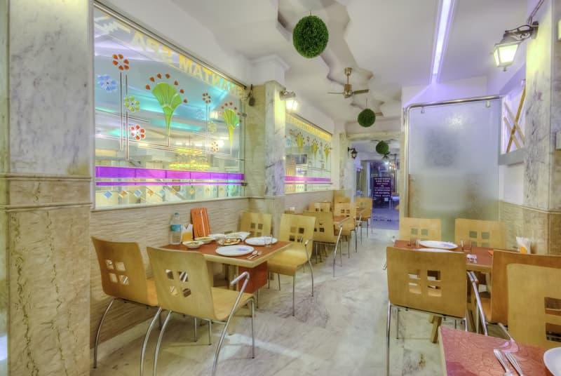 restaurant in treebo natraj