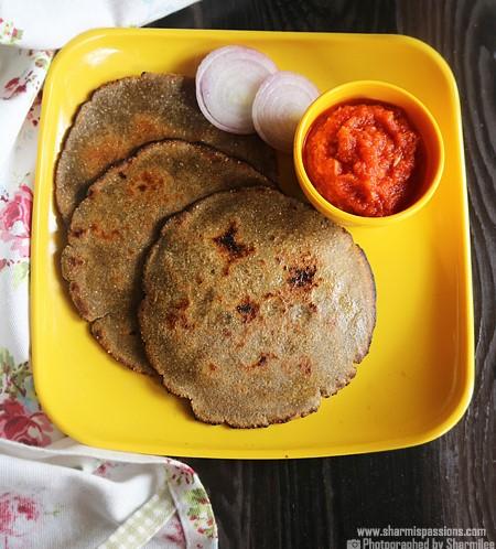 Bajra Roti with lehsun chutney