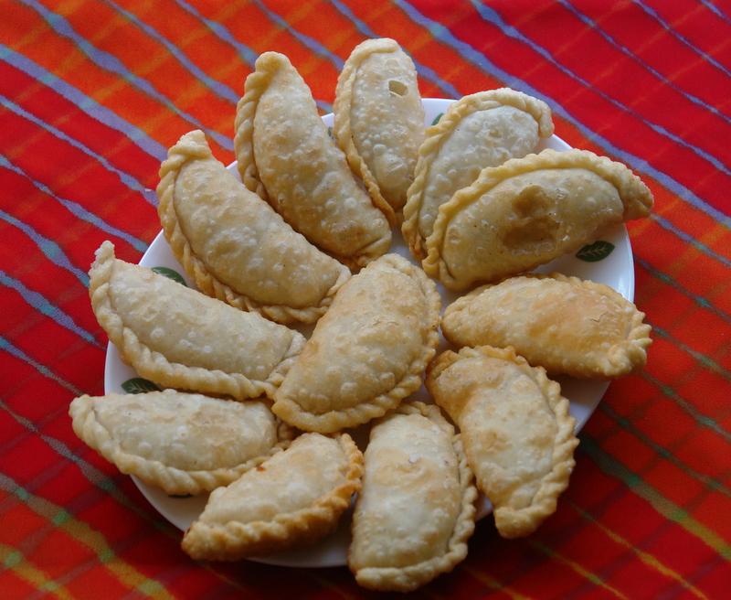 Gujarati Food- 20 Famous Gujarati Food Items You Must Try Atleast Once |
