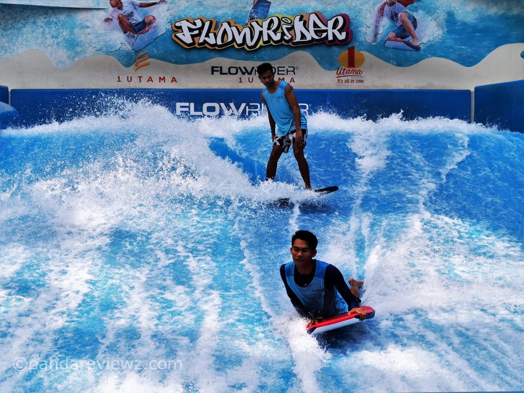 indoor surfing in 1 utama mall flow rider